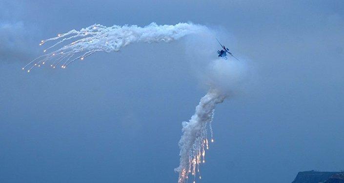 美國直升機降落駐日訓練基地後起火