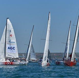 圣彼得堡大学生帆船赛中国队获第三名