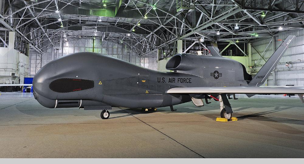 """RQ-4B""""全球鹰""""无人侦察机"""