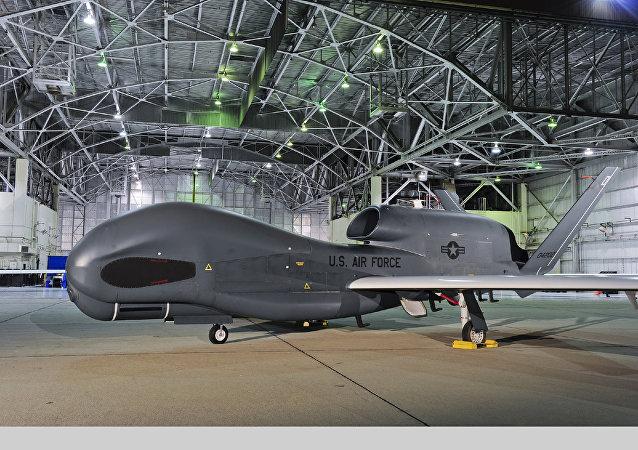RQ-4B「全球鷹」無人偵察機