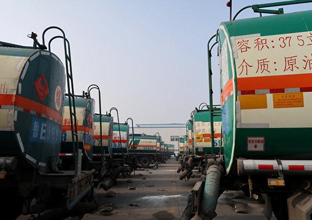 专家:中国未必全面对朝禁运石油