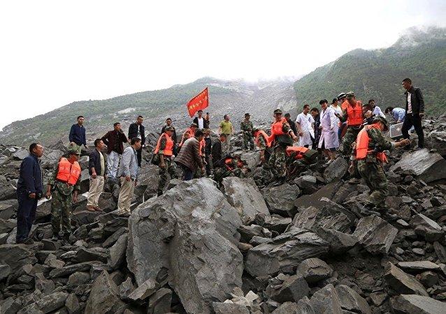 四川山體滑坡致5人死亡,逾120人失蹤