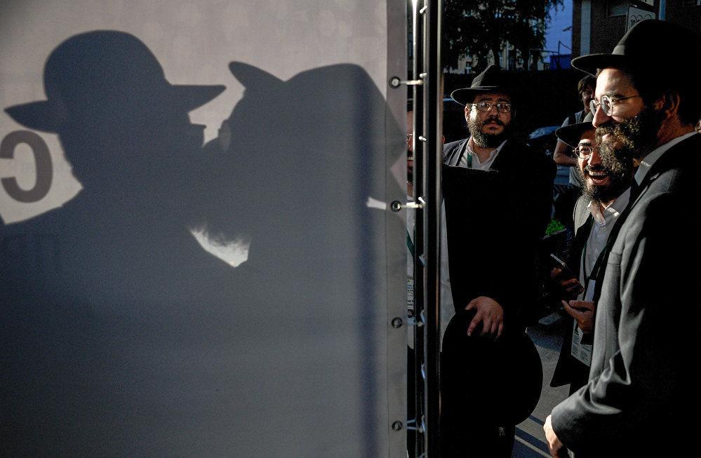 俄羅斯攝影師克里斯季娜·科爾米利岑娜作品《猶太法學博士》