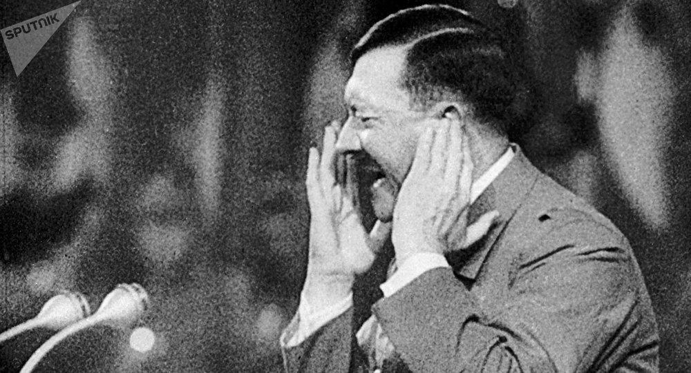 美中情局解密希特勒性取向报告