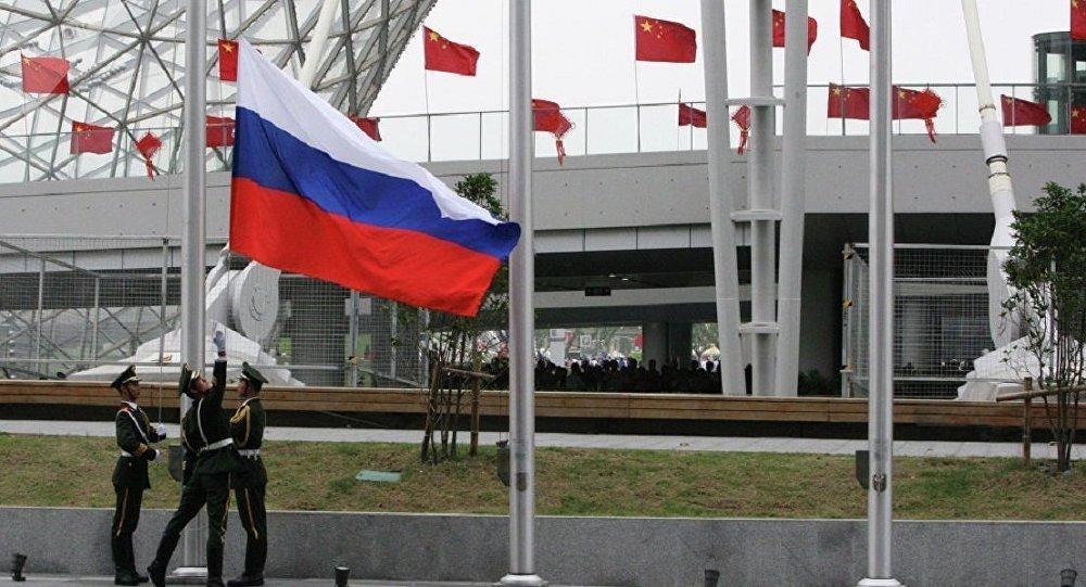 李克強:中俄既要推進航空航天合作 也要加強民間交流