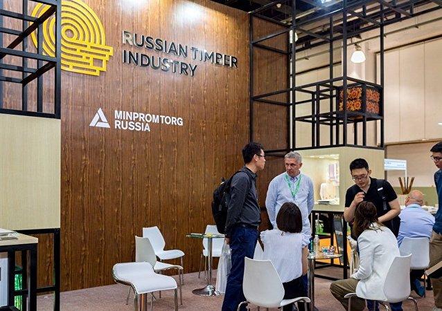 俄木工企業在上海木業展與150余家企業建立夥伴關係