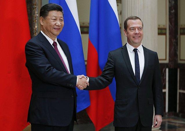 中国国家主席习近平将与来访的俄罗斯总理梅德韦杰夫举行会见