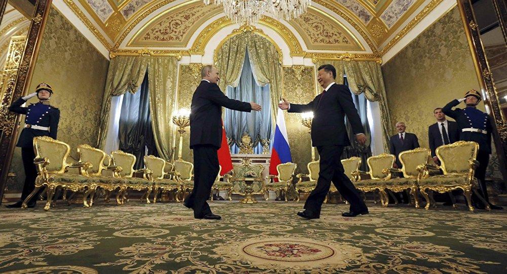 中國專家:普京當選俄總統有助於加強中俄關係