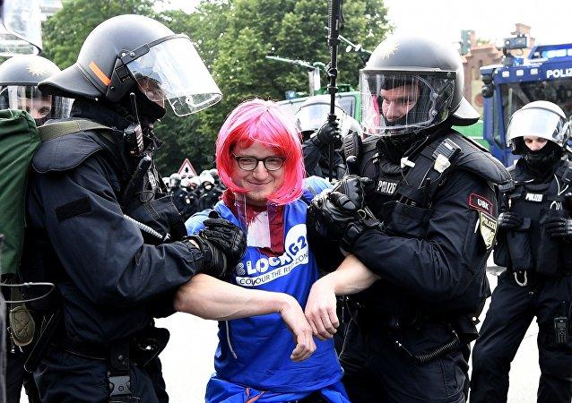媒體:漢堡警方拘留大批來自歐洲各國的左翼激進分子
