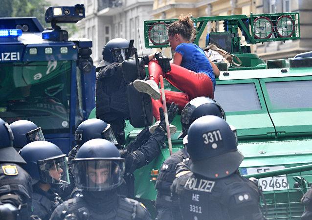 漢堡警方未證實有關普京下榻的酒店遭到攻擊的消息