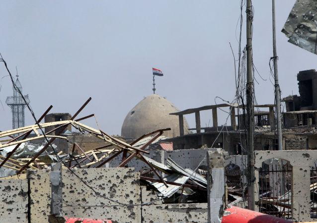 """俄国防部:美国联军在伊拉克假装打击""""伊斯兰国"""""""
