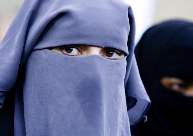歐洲人權法院認定比利時的穆斯林面紗禁令符合民主規範