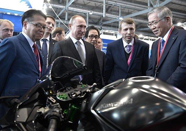 俄联邦警卫局证实普京或骑川崎摩托