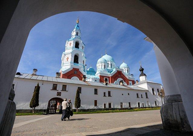 克宫否认有关普京向修道院赠送价值600万美元游艇的报道