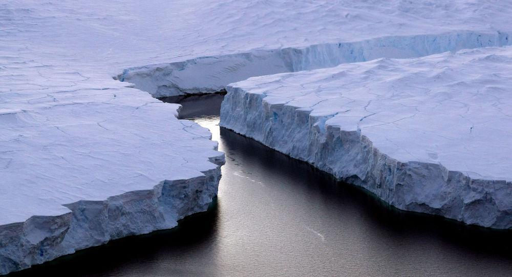 脱离南极的冰山体积仅为1980年测量体积的六分之一