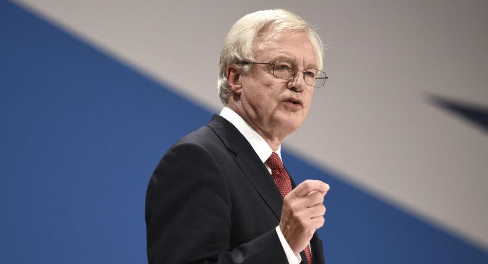 """英国外交大臣对""""与俄关系复杂""""表示遗憾"""