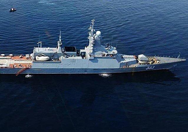 """俄罗斯海军""""完美""""号护卫舰"""
