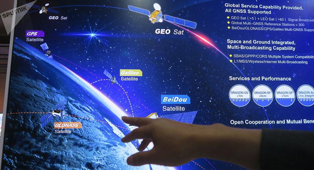 殷礼明称,我们国家有三个比较重要的系统,国家工程的:北斗导航的、载人航天的和月球探测、升空探测,这是国家的系统,我们在这几个方面都在跟俄罗斯相应的企业(航天局)开展相应的合作,(也包括)在下一步的发展中。
