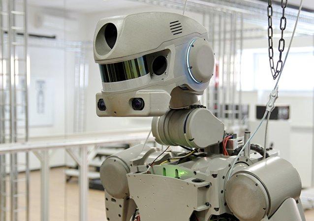 """""""费奥多尔""""人型机器人"""