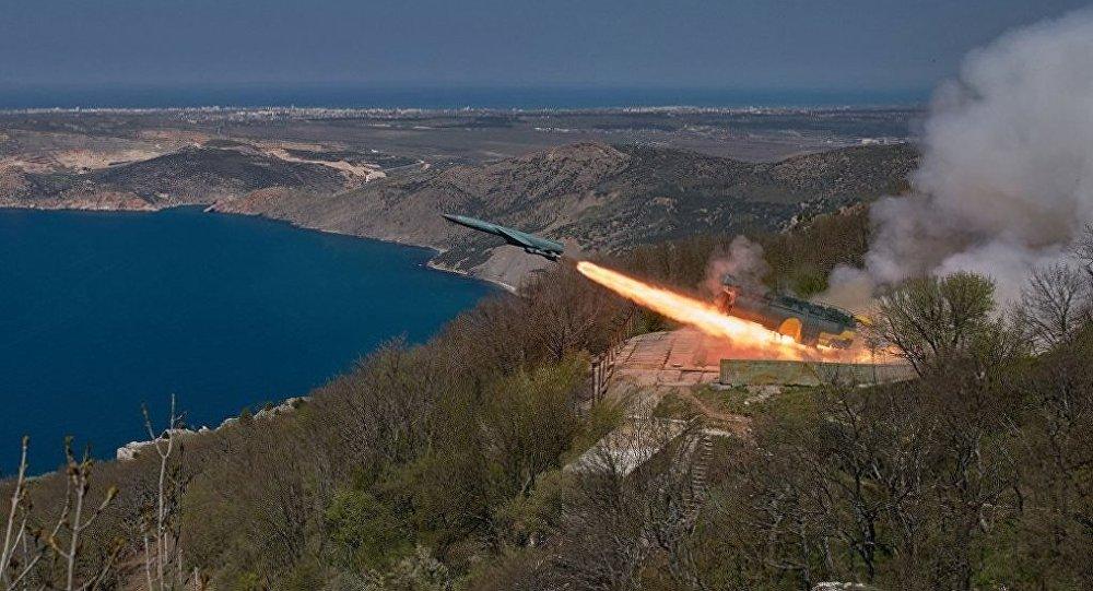 专家:美国研发新型巡航导弹违反《新削减战略武器条约》