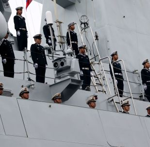中國海軍艦艇編隊駛抵俄符拉迪沃斯托克並鳴禮炮致意