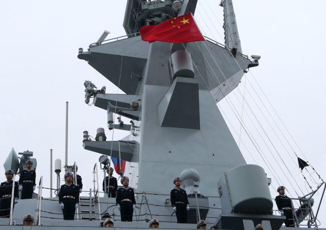 """中国海军舰艇编队完成""""科摩多-2018""""多国联演返回驻地"""