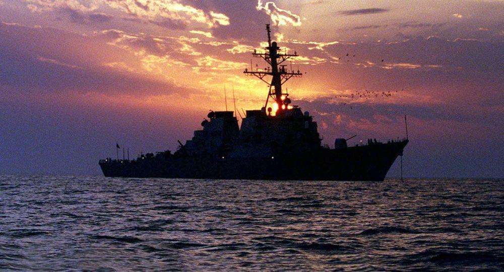 美国海军舰在波斯湾 (资料图片)
