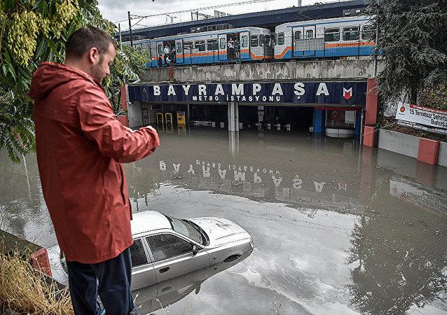 伊斯坦布爾地鐵因大暴雨而被淹