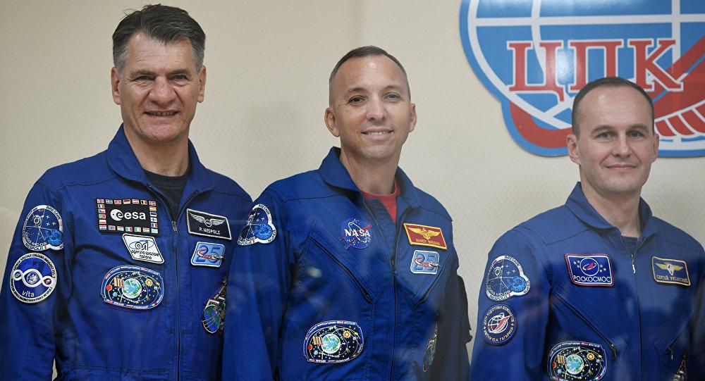 国际空间站3名宇航员将返地球 曾经历九月太阳耀斑