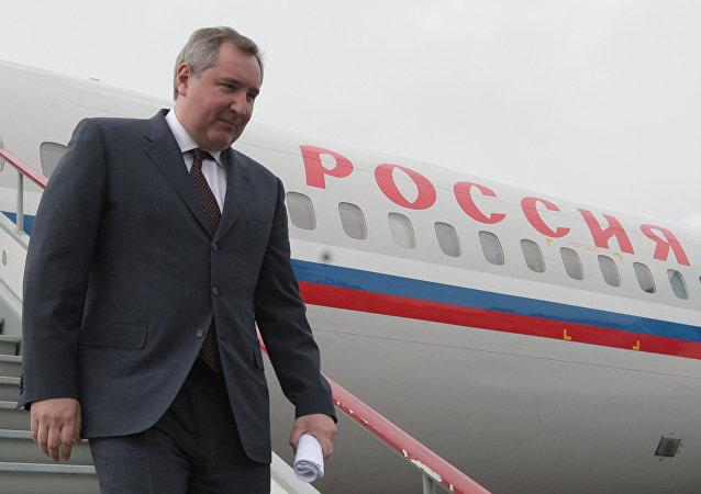 俄副总理与伊朗防长讨论武器供应问题
