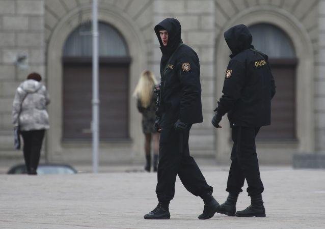 白俄罗斯学校少年持刀伤人致死后落网