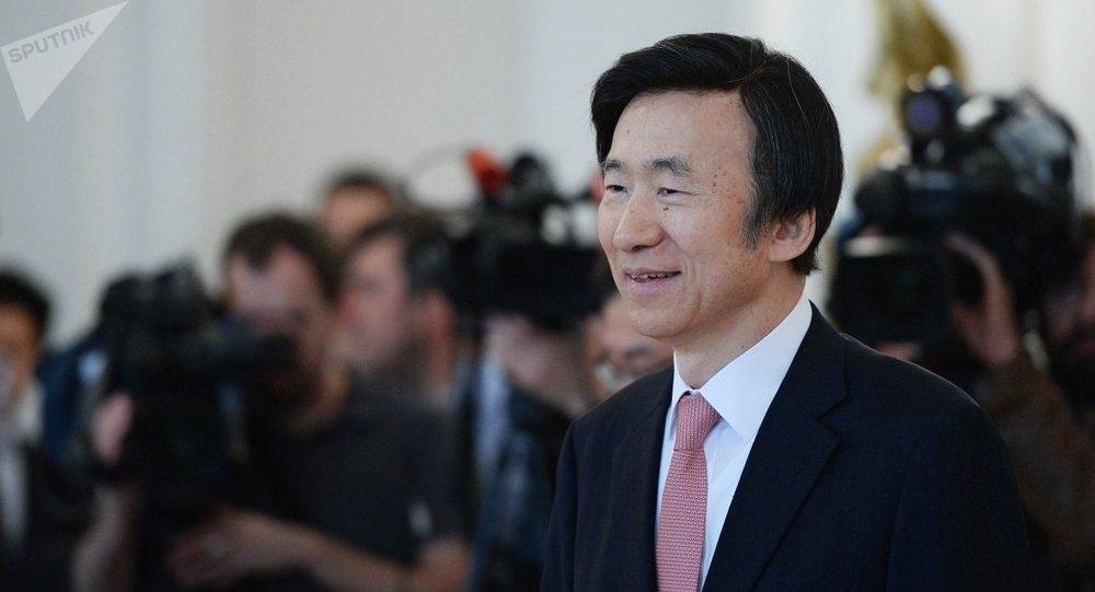 韓國外交部長尹炳世