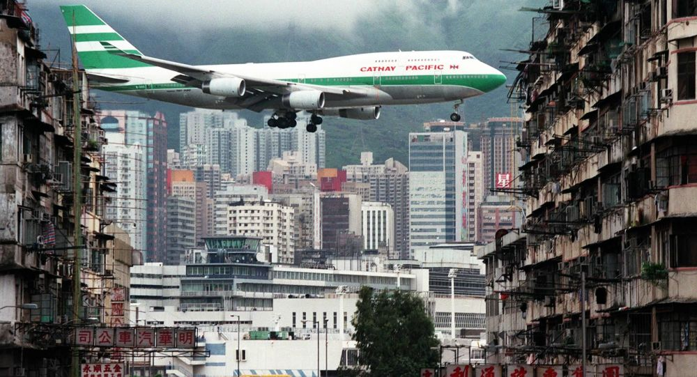 华媒:香港国际机场因非法集会被迫取消多个航班