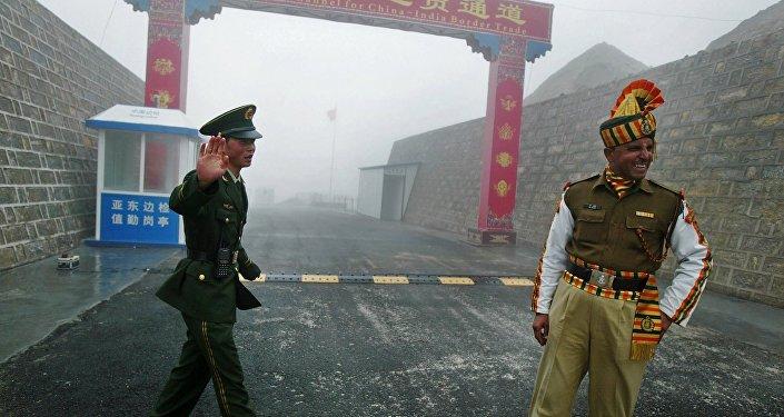 中国要求印度停止借洞朗活动考验中国耐心