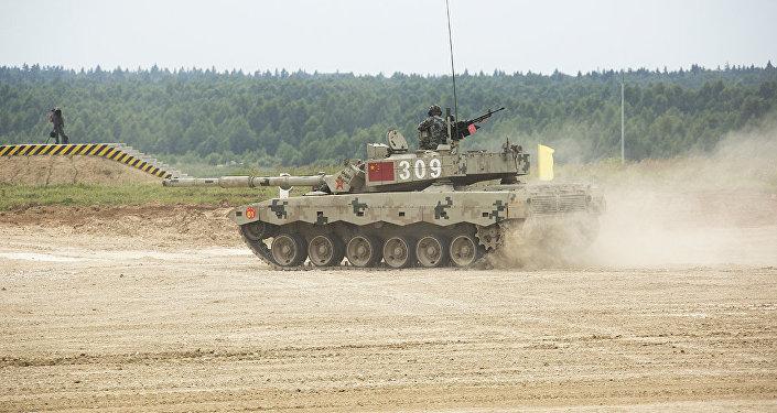 """中国车组在""""国际军事比赛-2017""""的坦克两项比赛上因犯规遭罚"""