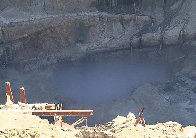 """阿尔罗萨公司""""和平""""矿井发生透水事故"""