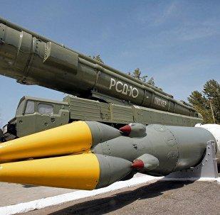 美国研发中程导弹的决定违反中导条约