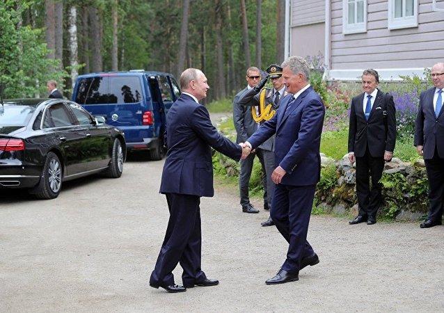 俄罗斯总统普京与芬兰总统尼尼斯托