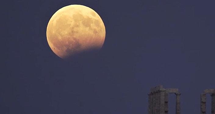 在月食期间月球上发现明亮闪光
