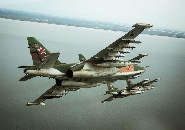 俄蘇-25戰機