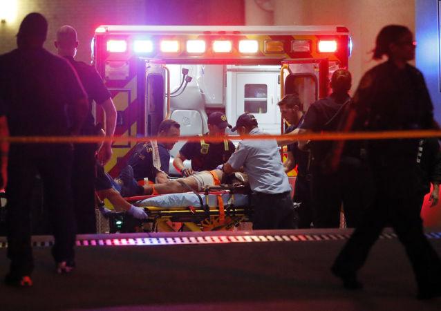 美国纽约州一架直升机坠毁 2死2伤