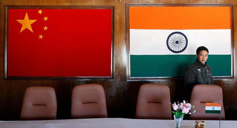 中国、印度国旗