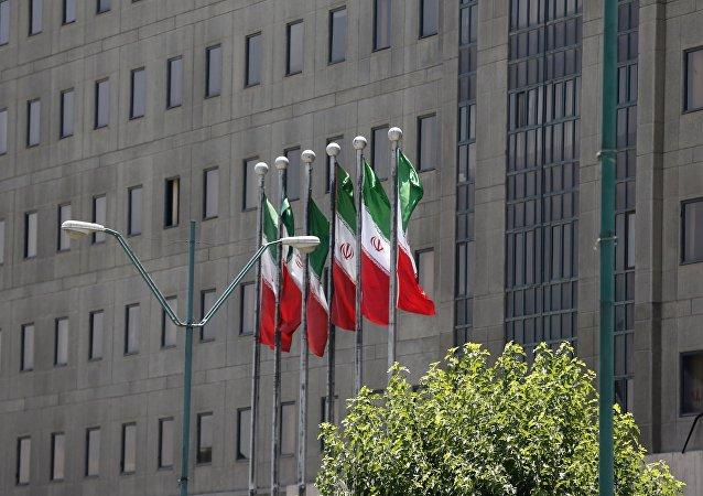 法國外長:巴黎支持全面履行伊朗核協議