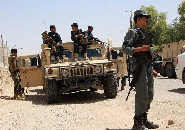 塔利班在阿富汗发动袭击造成至少22名军人丧生