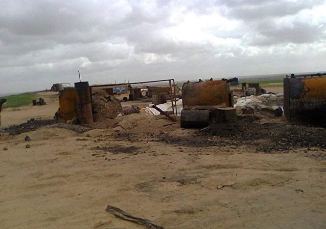 達伊沙組織在摩蘇爾生產「低質量石油」