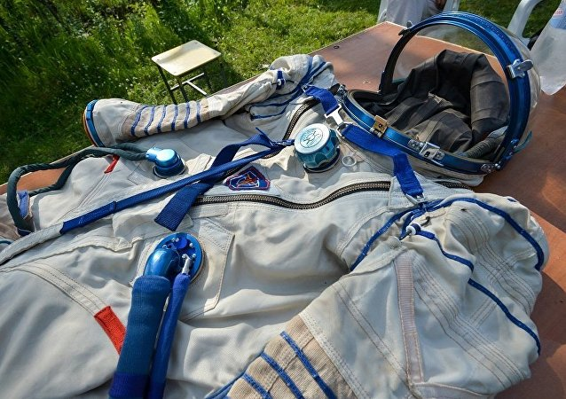 俄癌症病人所绘制航天服夏季末将被发往美国NASA总部
