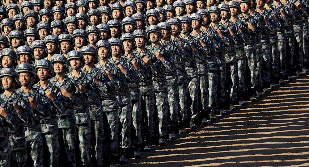中国军方出台解放军军营开放办法 旨在加强国防教育