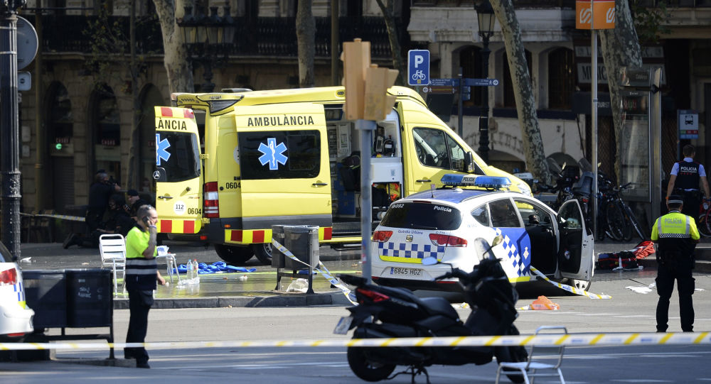 巴塞罗那一辆失控汽车撞响人群导致4人入院治疗