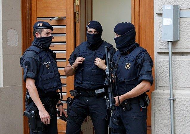 西班牙內政部稱正在調查恐怖分子是否與鄰國有聯繫