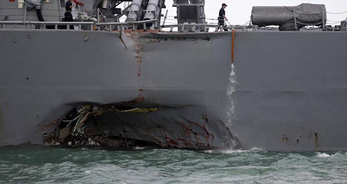 """声明:美国海军由于""""麦凯恩""""号驱逐舰碰撞事故在全球范围暂停行动"""